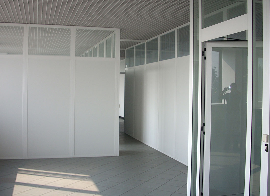 Pareti divisorie per uffici coccia matteo for Pareti originali per interni