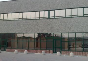 finestre-a-nastro-in-alluminio-verniciato-verde-+--portoncino-di-ingresso-