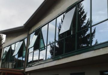 finestre-in-alluminio-vetro-riflettente